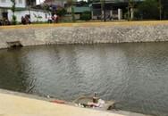 Xảy chân xuống hồ sinh thái, một em nhỏ tử vong