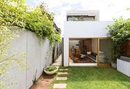 Từ một ngôi nhà bí bách chủ nhà đã sửa sang thành không gian sống như resort