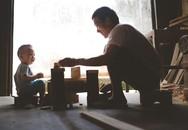 """Tâm sự xúc động của con gái trong bộ ảnh gây sốt: """"Bố tôi là thợ mộc"""""""