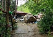 Mẹ hôn mê, con trai 4 tuổi phải cắt cả hai chân vì đá sập vào nhà sau cơn mưa