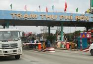 Nghệ An: Người dân lại mang xe ô tô ra cầu Bến Thủy 1 để phản đối