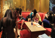 9 nữ tiếp viên múa khỏa thân phục vụ khách trong quán karaoke