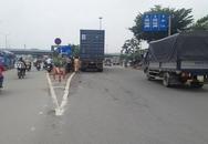 Người phụ nữ cùng xe máy bị cuốn vào gầm xe container, kéo lê hàng chục mét