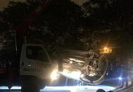 Người phụ nữ thoát chết khi ôtô rơi xuống mương nước thải