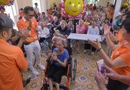 TP.HCM: Tổ chức tiệc mừng thọ tập thể cho các cụ già neo đơn