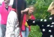 Xôn xao clip nữ sinh bị đánh hội đồng ở Hải Dương