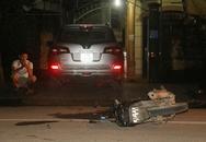 Ôtô va chạm xe máy, 2 người nhập viện