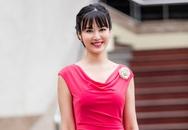 Hoa hậu Thu Thuỷ đẹp rực rỡ trong vai trò MC Thời sự