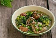 Thịt gà hầm rau củ chống ngán