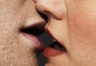 5 điều cực kì nguy hiểm có thể xảy ra khi bạn hôn một ai đó