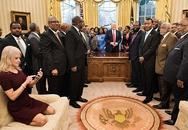 """Người phụ nữ """"đáng sợ"""" nhất thế giới bên ông Trump"""