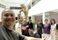 Phạm Quỳnh Anh được chồng và bố mẹ đón khi xuất viện sau sinh