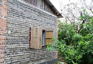Ngôi nhà đặc biệt làm từ... 8800 vỏ chai nhựa ở Hà Nội