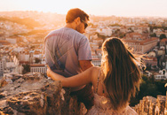 Vì sao các đôi hạnh phúc không 'khoe khoang' trên mạng xã hội