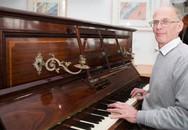 Thợ sửa đàn phát hiện kho báu nửa triệu bảng Anh trong piano cổ
