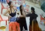 Từ chối cho số điện thoại, kiều nữ bị nam thanh niên đấm vào mặt