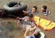 Ông lão nhảy sông tự tử còn cố dìm hai cảnh sát giải cứu chết cùng