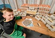 8 tuổi, cậu bé thành lập công ty bán trứng gà để mong thành triệu phú