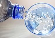 Ai cũng đã từng uống nước sai theo cách này