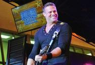 Ca sĩ nhạc đồng quê Mỹ chết vì tai nạn trực thăng