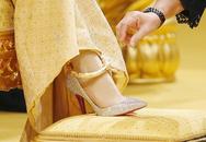 Thâm cung bí sử (111-2): Đôi giày đặc biệt và người đàn bà đặc biệt