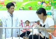 Hai bé gái bệnh tim nhẹ cân nhất được phẫu thuật thành công