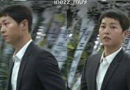 Sau khi đám cưới kết thúc, chú rể Song Joong Ki lặng lẽ đến lễ tang nam diễn viên Reply 1988