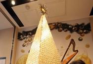 Cận cảnh cây thông Giáng sinh bằng vàng khối đắt giá hơn 70 tỷ đồng