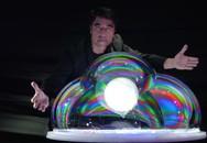 Mở toang thế giới cảm xúc cực đậm với phù thủy bong bóng Fan Yang