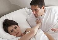 Chiều chồng 'phi công' đến kiệt sức vì sợ anh ra ngoài 'giải quyết'