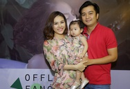 Chồng thiếu gia và con gái tháp tùng Vân Trang đi họp fan