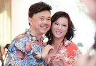 Vợ Chí Tài về nước mừng sinh nhật thứ 48 của Hoài Linh