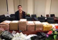Hàng trăm điện thoại iPhone nghi nhập lậu bị cảnh sát thu giữ