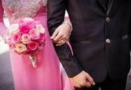 """Cô dâu kể chuyện đám cưới do bố mẹ ruột lo, nhà trai tổ chức """"ké"""" còn xin lại tiền mừng khiến chị em sôi máu"""