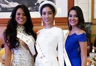 Mỹ Linh mặc áo dài, đội mấn dự tiệc tại Miss World