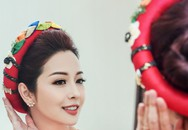 Jennifer Phạm mặc áo hoa sen xinh đẹp làm MC trong buổi tiệc mừng tại APEC