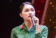 Hương Giang Idol kể chuyện vừa mặc đồ vừa make-up trong 7 ngày nhập ngũ