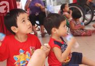 Hai bé trai 3 và 5 tuổi lang thang tìm bố mẹ lúc nửa đêm ở Gò Vấp giờ ra sao?