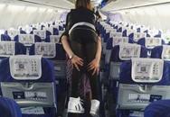 Nữ tiếp viên hàng không gây xúc động mạnh với hình ảnh này