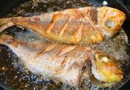 Tuyệt chiêu rán cá ngon, không dính chảo nàng dâu nào cũng phải học