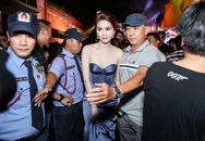 Ngọc Trinh đeo trang sức kim cương bạn trai tỷ phú tặng đi sự kiện
