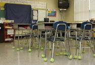 Cắt đôi bóng tennis dán vào ghế, cô giáo khiến phụ huynh học sinh trầm trồ thán phục