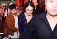 Hương Giang Idol khoe ngực nóng bỏng ở bar sau vụ ồn ào với nghệ sĩ Trung Dân