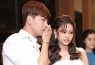 Phớt lờ dư luận, Tim - Trương Quỳnh Anh nắm chặt tay nhau