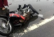 Ô tô lao xuống ruộng sau va chạm kinh hoàng với 2 xe máy, 2 người tử vong