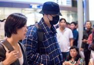 So Ji Sub bịt mặt kín mít khi đến Việt Nam