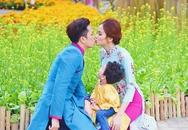 Con trai Hoa hậu Diễm Hương ghen vì bố mẹ hôn nhau
