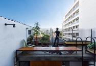 Ngôi nhà tí hon nhưng vẫn khiến người ta nức lòng bởi sở hữu khoảng sân thượng quá đẹp