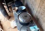 Lời kể đau xót tại vùng mưa lũ: 20kg gạo cuối cùng đã tuột khỏi tay!