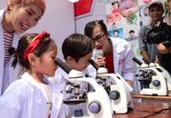 """Vừa vào lớp 1, Rio nhà Minh Hà đã trổ tài làm """"nhà khoa học nhí"""""""